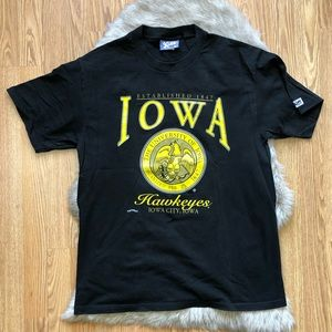 90s Iowa Hawkeyes T-shirt by Lee Sport Size Large